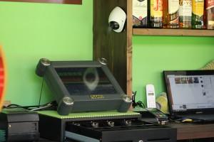 Camara vigilancia en caja bar